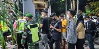 Tak Sediakan Sarana Pendukung Prokes, Pengelola Toko Pakaian di Kota Blitar Dapat Teguran Petugas