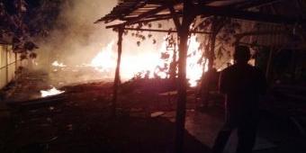 Arus Pendek, Gudang Pengolahan Kerajinan Kayu Jati di Ngawi Ludes Terbakar, Rugi Puluhan Juta Rupiah