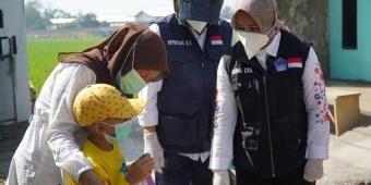 Jumat Berkah, Ning Ita Salurkan Ribuan Paket Sembako kepada Warga Terdampak Pandemi