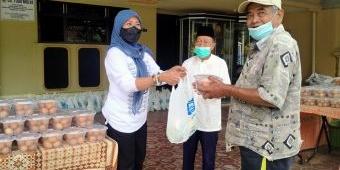 Bantu Warga Terdampak Pandemi, Srikandi Peduli dan Paguyuban Ibu-Ibu Bagikan Telur dan Sayur Gratis