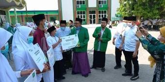 Peringati HSN 2021, PCNU Mojokerto Berikan Santunan dan Beasiswa 1.002 Anak Yatim