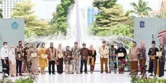 Lomba Fashion Show Kepala OPD dan Camat, Bantu Kembangkan Produk UMKM Surabaya