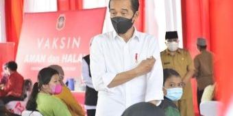 Kunjungan Singkat Presiden Joko Widodo di Kota Blitar, Tinjau Vaksinasi dan Sapa Warga