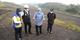 Bisa Hasilkan Kompos Pupuk Organik, Khofifah Tinjau TPA Supit Urang Kota Malang