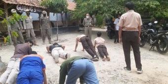 Ketahuan Nongkrong di Warung Masih Pakai Seragam, Puluhan Pelajar di Tuban Dihukum Push Up 50 Kali