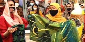 Buka Pameran Batik, Bordir & Aksesoris Fair ke-16, Khofifah: Ini Momentum Kebangkitan UMKM Jatim