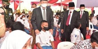 Kejar Herd Immunity, Pemkab Lamongan Bersama TNI-Polri Giatkan Vaksinasi Massal