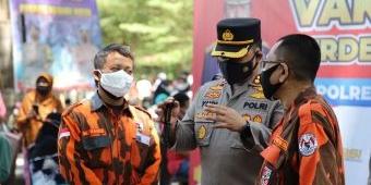 Polres Kediri Kota Kolaborasi dengan MPC PP dan FKBN Gelar Vaksinasi Anak dan Pelajar Papua