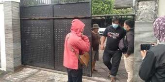 KPK Cari Sambari Halim, Mantan Bupati Gresik itu Ditemukan Stroke, Istirahat di Rumah Mewah