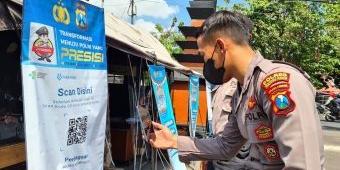 Tekan Penyebaran Covid-19, Polres Kediri Kota Terapkan QR Code Aplikasi PeduliLindungi