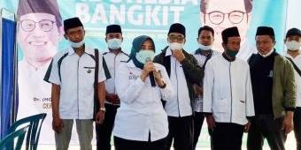 Anik Maslachah Pantau Pelayanan Vaksinasi PKB di Perdesaan