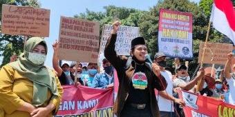 Tuntut Tanah yang Dikuasai PTPN XII Dikembalikan, Ratusan Massa Geruduk Kantor Pemkab Kediri