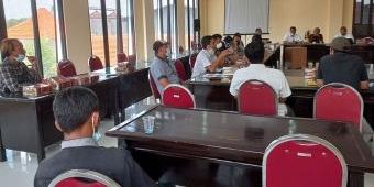 Dewan Ingatkan Kontraktor Agar Penuhi Tuntutan Warga Mojoanyar