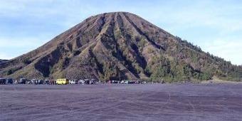 Gunung Semeru Meletus, Wisatawan Dilarang Masuk Radius 1 Km dari Kawah Bromo