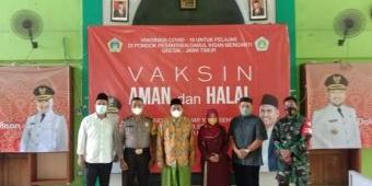 Gelar Vaksinasi di Ponpes Darul Ihsan, Kiai Mulyadi: Matur Nuwun Bupati Gus Yani