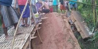 Jembatan Ambruk di Palengaan Laok Pamekasan, Warga Minta Pemda Segera Perbaiki