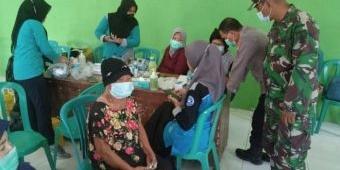 Antisipasi Gelombang Ketiga Covid-19 di Ngawi, Posramil Gerih Gelar Vaksinasi untuk Lansia