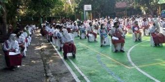 Persiapan PTM, Siswa SD di Kota Madiun Mulai Divaksin Covid-19