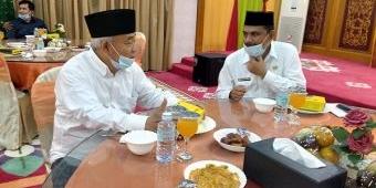 Dijamu di Pendopo Gubernur Aceh, Kiai Asep Ingatkan Covid-19 Turun Karena Kita Kotor