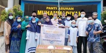 Alumni SMANGRES '83 Bagikan 1.200 Takjil untuk Anak Yatim dan Duafa di 18 Kecamatan