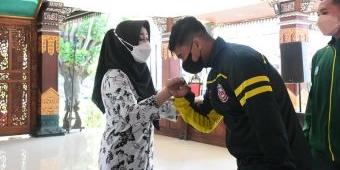 Bupati Mojokerto Lepas Kontingen Atlet PON XX Papua 2021