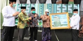 Dukung Pembangunan Menara 17 PWNU, PDIP Jatim Sumbang Rp 500 Juta