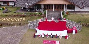Bendera Rajut Terbesar Pertama di Indonesia, Dibuat Ratusan Perajut Nusantara, Tercatat Rekor MURI