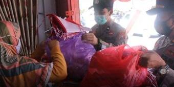 Polres Madiun Borong 2.550 Bendera Untuk Dibagikan Kepada Warga