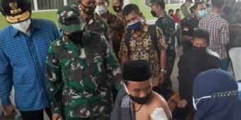Kejar Herd Immunity, TNI Bersama ASC Foundation Gelar Vaksinasi Covid-19 di Pondok Pesantren