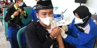 Wali Kota Kediri Tinjau Pelaksanaan Vaksinasi Serentak di Pondok Pesantren
