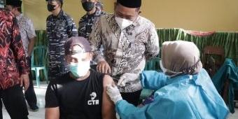 Bupati Gus Yani Hadiri Serbuan 1.200 Vaksin Lantamal V Surabaya di Ponpes Al-Karimi