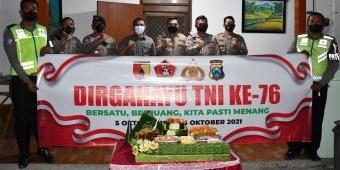 HUT TNI ke-76, Danrem 081/DSJ dapat Kejutan dari 2 Kapolres