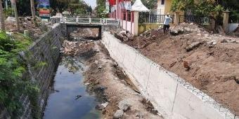 DPUPR Jombang Perbaiki Irigasi Grojogan di Kecamatan Plandaan
