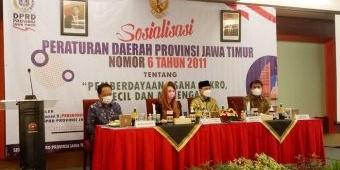 Dukung PEN, Kadin Kediri Ajak UMKM Ikuti Sosialisasi Perda Nomor 6 Bersama Arumi Bachsin