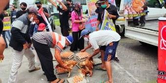 Gagal Bagikan Telur Gratis, ini yang Dilakukan Peternak Ayam di Blitar