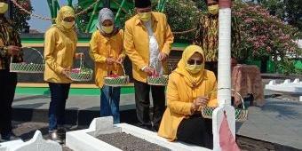 Kenang Jasa Pahlawan, DPD Partai Golkar Pasuruan Gelar Apel Tabur Bunga
