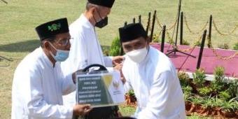 Pesantren Bayt Al-Hikmah Kota Pasuruan Gelar Peringatan HSN, Wakil Wali Kota Inspektur Upacara