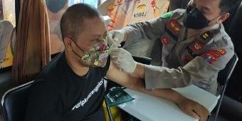 Kejar Herd Immunity, Forwas-PWI Sidoarjo Gelar Vaksinasi Massal