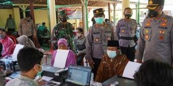 Kapolres Ngawi Tinjau Langsung Penyerahan Bantuan Tunai untuk 230 PKLW