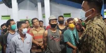 Mucul Asap, Warga Binaan Lapas Surabaya Berhamburan Keluar Blok