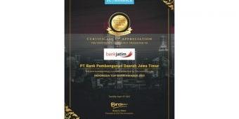 Bank Jatim Raih Penghargaan Indonesia Top Bank Awards 2021 Kategori Bank Buku 3