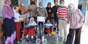 FRPB Pamekasan Sumbang 4 Kursi Roda untuk Anak-Anak Disabilitas