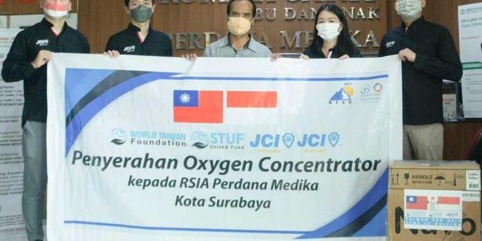 jci-east-java-salurkan-bantuan-untuk-rsia-perdana-medika