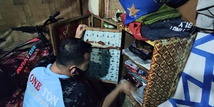 bersih-bersih-benda-terlarang-lapas-surabaya-geledah-blok-hunian-serta-rapikan-instalasi-listrik