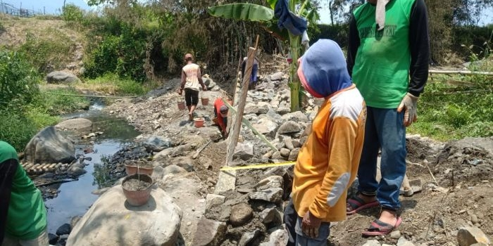 dukung-kelancaran-air-untuk-pertanian-pemkab-pasuruan-benahi-ratusan-irigasi